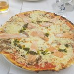 Pizzas à pâte fine! J'adore !!!