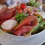 Salade bergère et tartare de saumon