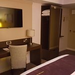 Photo de Premier Inn Leeds City West Hotel