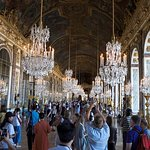 The Hall of Mirrors with tourists!