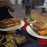 Presentación de nuestro Pastrami XXL el día del cumpleaños de Antonio Lòpez