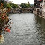 La Moselle, devant la place