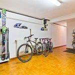 Ski / bike room