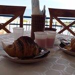 Parte della nostra colazione: cornetto alla nutella e cornetto al pistacchio