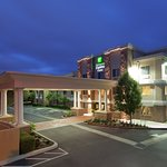 Photo de Holiday Inn Express Livermore