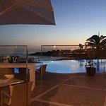 Traumhafte Aussicht, Swimmingpools sind fantastich; das Terrassenrestaurant ideal gelegen. Direk