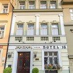 Photo of Hotel 16