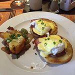 Siena (breakfast) Eggs Benedict