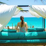 swinging daybeds