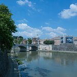 Can't you just see James Bond racing along the lungotevere below in his last film?