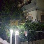 Photo de Evita Apartments
