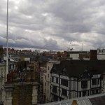 Terrazza Soho Sky Lounge bar: vista sui tetti di Londra e su liberty.