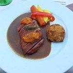 menu gourmet, plat : filet de canette grillé aux abricots et thym léger