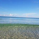 Foto de The Sandpiper Beacon Beach Resort