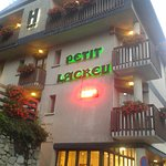 Photo of Hotel Petit Lacreu
