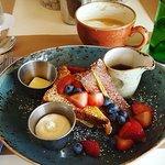 Breakfast and amenities