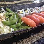 Box : sushi thon et saumon avec california rolls thon avocat