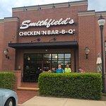 Foto van Smithfield's Chicken & BBQ