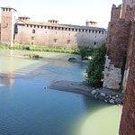 Il complesso di Castelvecchio visto dal Ponte