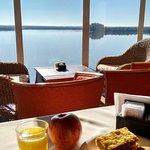 Desayuno con vista al rio