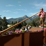The breakfast Alphorn player, with a view!
