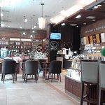 ภาพถ่ายของ Vista Cafe - Empire