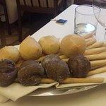 il pane è fatto in casa quello nero ai 5 cereali è divino