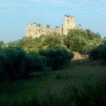 Il castello federiciano illuminato dalla luce del mattino