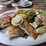 魚のグリル。4種ありどれもあっさりとして美味しい。