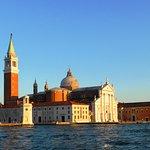 La isla de San Giorgio Maggiore desde el vaporetto que va a San Marcos.