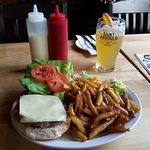 Burger Sanglier with fries and salad