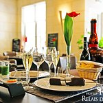 Table Gourmande dans Salle du Restaurant