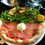 Pizza Light, demi pizza/salade