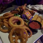 Meli-Melo (chicken wings, onion rings, cheese sticks)