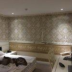Golden Crown Hotel Foto