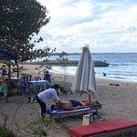 Heerlijk strandplekje met fijne ligbedjes.  Waar we heerlijk gelunched en vriendelijk geholpen w