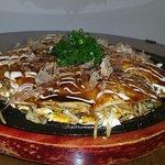okonomiyaki hiroshima style (plato de la casa)