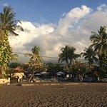 Photo de Aneka Lovina Beach Hotel