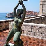 Sculpture terrasse musée d'art moderne