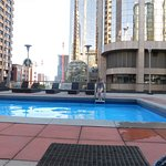 Ramada Plaza Calgary Downtown Photo