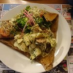 Crêpe de blé noir aux artichauts, saucisse de Molène et sauce maison aux pétoncles