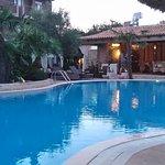 Υπέροχη καθαρή πισίνα