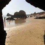 Sitio para pasar a otra parte de la playa
