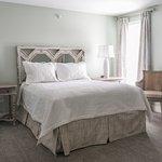Deluxe Queen Pendleton Guesthouse