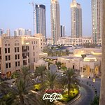 Photo de Manzil Downtown Dubai