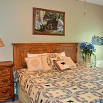 Guest Bedroom with King Bed and Jacuzzi in room