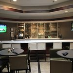 Photo de DoubleTree Suites by Hilton Hotel Charlotte - SouthPark
