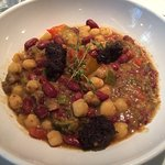 Garbanzos - Ratatouille with chickpeas, pinto bean and vegan black sausage