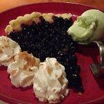 Tarte myrtille, glace au génépi
