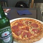 Kombipreis Pizza mit 0,33L Heineken EURO 6,50